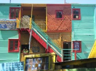 Buenos Aires  Stadttours in Buenos Aires zeigt dir in  La Boca - die Tango ecke Buenos Aires -  die Bunten Tango Blech Häuser und Caminito die Bekannte Küenstler Strasse von La Boca Stadtrundfahrt Buenos Aires